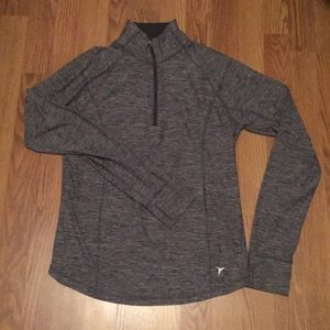 Quarter zip active pullover
